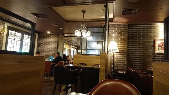 オスロコーヒー横浜店の内観