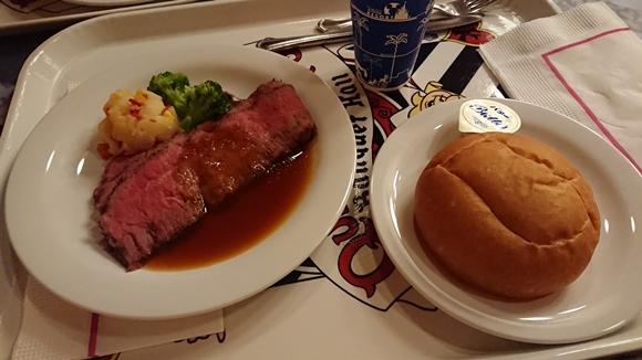 レストランのご飯